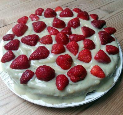 Erdbeer-Vollkornkuchen
